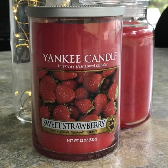 *SOLD* Yankee Candle Sweet Strawberry Lg Tumbler